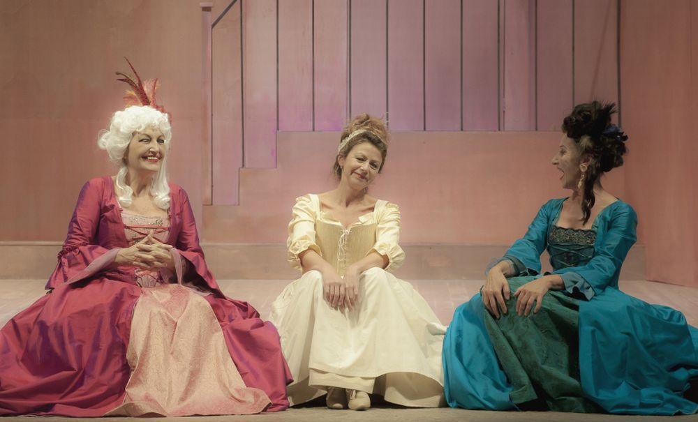 """Martedì al teatro Civico di Tortona va in scena """"La Locandiera"""" di Carlo Goldoni"""