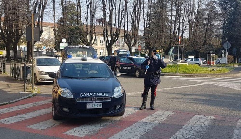 A Castelnuovo un uomo guida senza patente, ad Alluvioni un altro ruba 800 piante