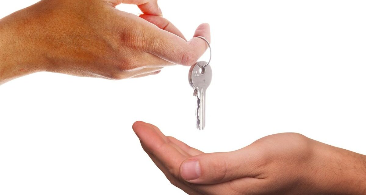 Contributi per affittare una casa, il Comune di Tortona spiega chi può averli