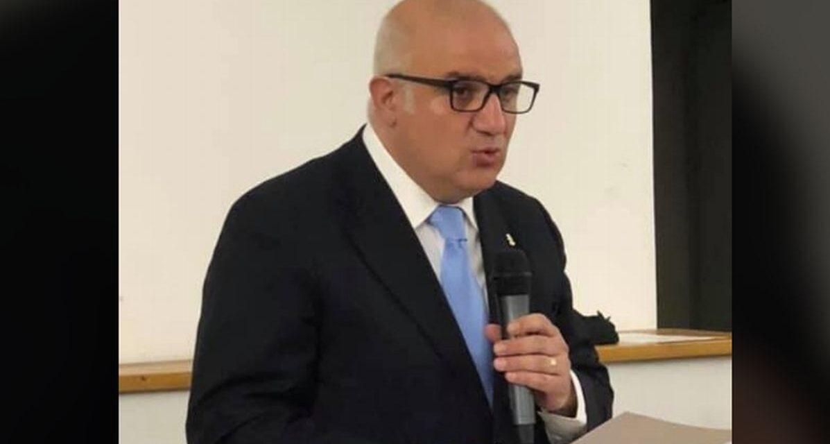"""Clamoroso a Novi Ligure: il presidente  Oscar Poletto accoglie le istanze della minoranza e rinvia il Consiglio Comunale e """"volano stracci"""""""