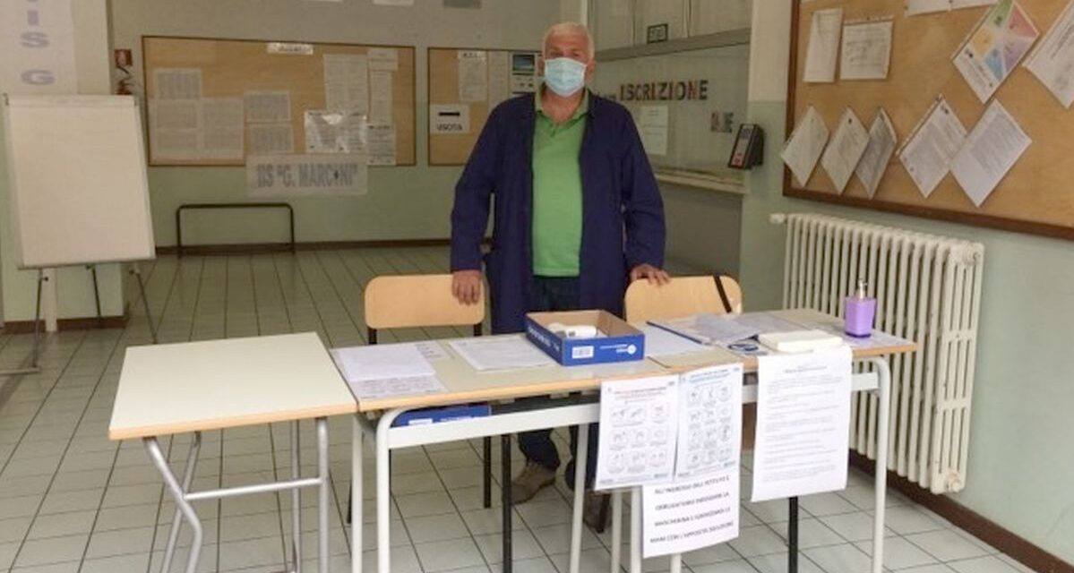 """Inizio scuola a Tortona: al """"Marconi"""" tutto è pronto con ben 4 ingressi ma i corsi di recupero li fanno online"""