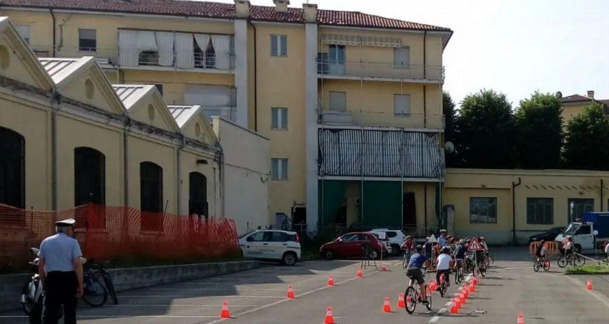 A Tortona le ex medie dell'istituto comprensivo B si trasferiscono dall'ex università in piazzale Mossi, vicino alle  ex elementari