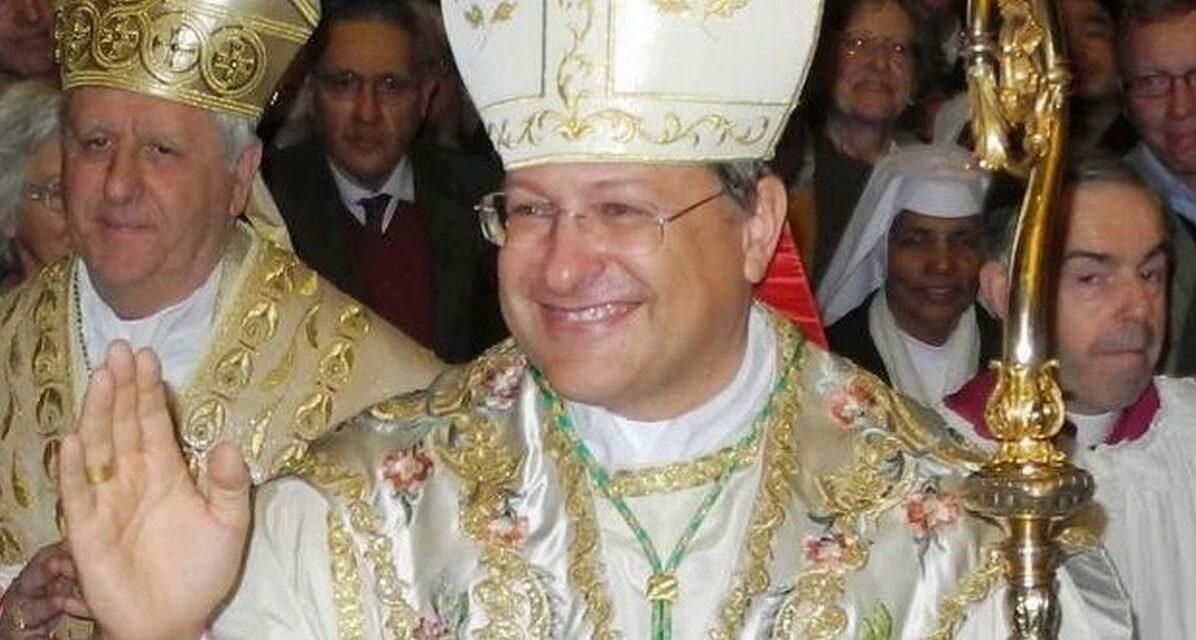 Il Vescovo di Alessandria positivo al Covid, si sta curando a casa, in isolamento, e sta bene