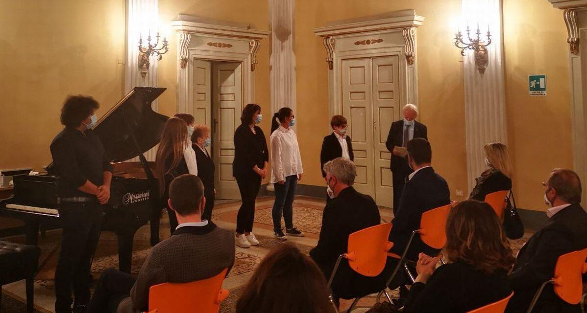 Alla Sala del Ridotto di Tortona bel concerto di premiazione della masterclass dei maestri Maurizio Cadossi e Giorgio Vercillo