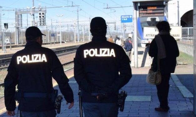 Alessandria, straniero ubriaco aziona il freno di emergenza del treno, denunciato