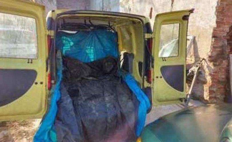 Nel casalese duro colpo alla banda dei siluri, sequestrati due furgoni e tutto l'occorrente per la pesca di frodo