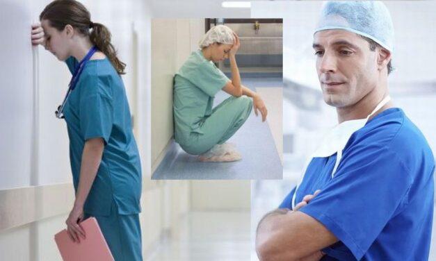 Gli ospedali sono nuovamente al collasso. Un nuovo incubo per infermieri e operatori sanitari ormai stremati