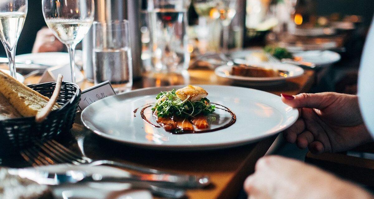 Cena al ristorante senza pagare ma viene preso dai Carabinieri di Casale Monferrato