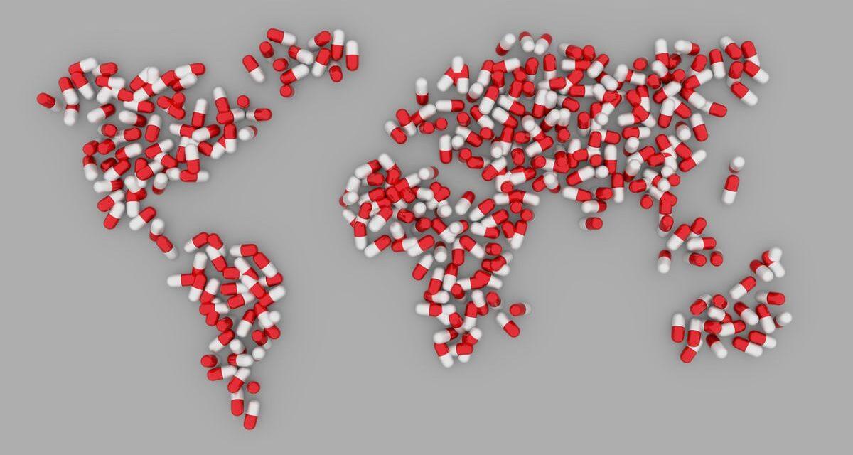 Shopping online, con l'emergenza Covid-19, crescono le farmacie online