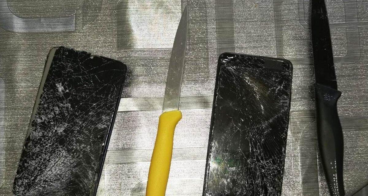 A Tortona un marocchino di 34 anni ferisce la moglie  davanti ai figli minorenni con questi coltelli