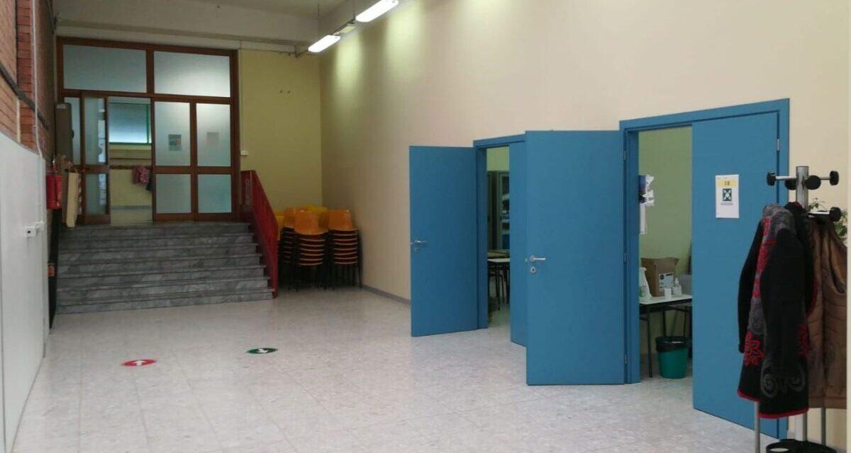 Gli interventi del Comune di Casale negli istituti scolastici: lampade a led, ritinteggiature e nuovi infissi