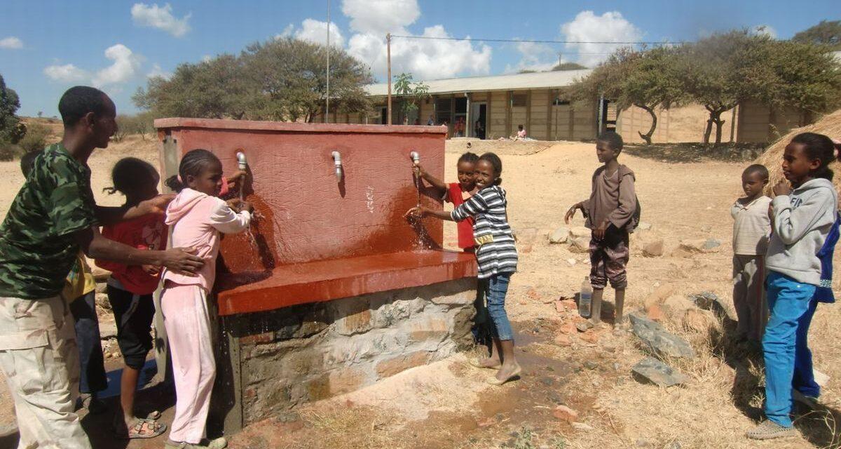 Valle Bormida Pulita con Ampelos  batte il Covid 19 e sostiene la costruzione di pozzi in Africa