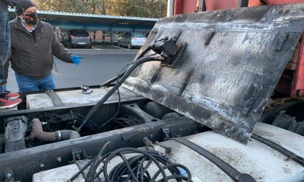 La Polizia stradale di Ovada arresta due autisti che rubavano gasolio