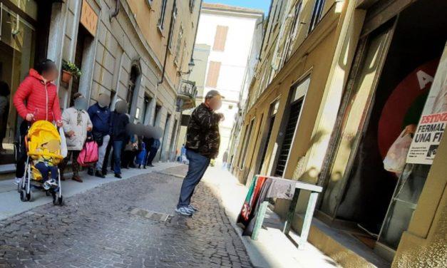 L'odio a chi fa del bene: Azione Tortona aiuta le famiglie e qualcuno manda i Carabinieri!