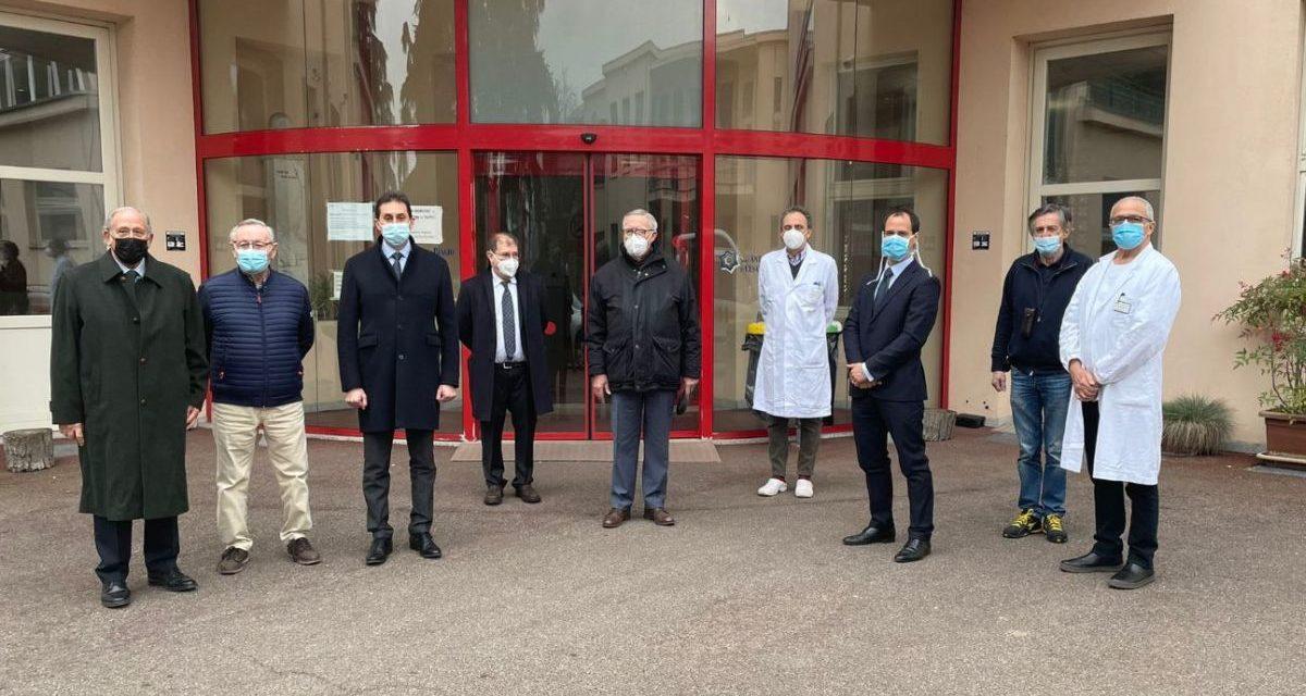 """Donazione di nuove tv per i pazienti dell'ospedale """"Borsalino"""" di Alessandria"""