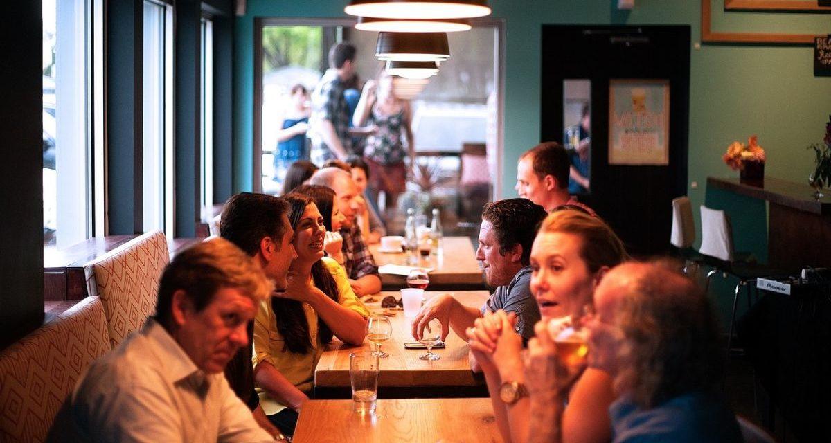 A Casale beccate 6 persone che cenavano al ristorante alla faccia del Covid