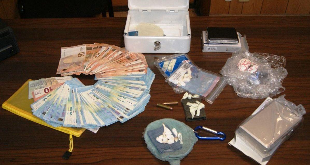 43enne arrestato a Gavi per detenzione e spaccio di sostanze stupefacenti: aveva  anche 4.300 euro