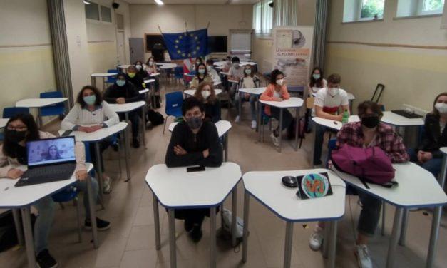 """Il Liceo """"Peano"""" di Tortona ha festeggiato l'Europa"""