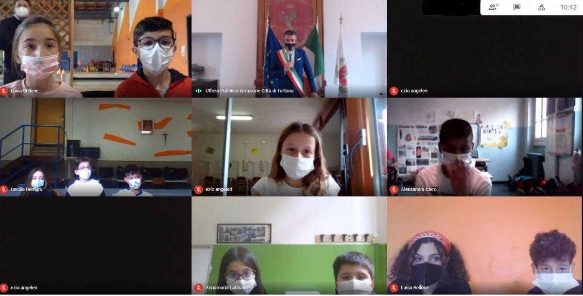 A Tortona il nuovo Consiglio dei ragazzi ma che impressione vederli con la mascherina e in remoto!!
