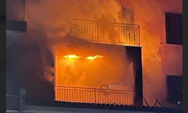 Si incendia questo condominio a Tortona, gravi danni e appartamento inagibile. Le immagini