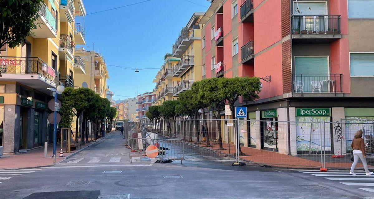 A Diano Marina proseguono gli interventi in corso Roma e sulla nuova isola pedonale
