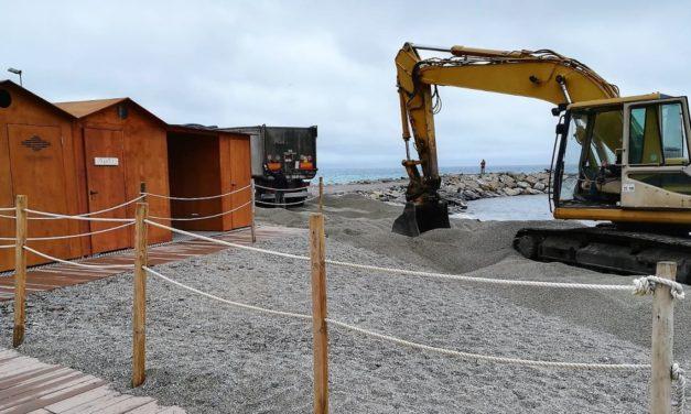 Iniziato il ripascimento delle spiagge libere a San Bartolomeo al mare