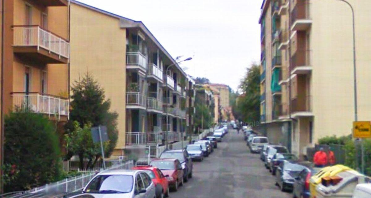 """Le notti """"brave"""" in via Giuseppe di Vittorio a Tortona e ragazzi in via Visconti che…"""