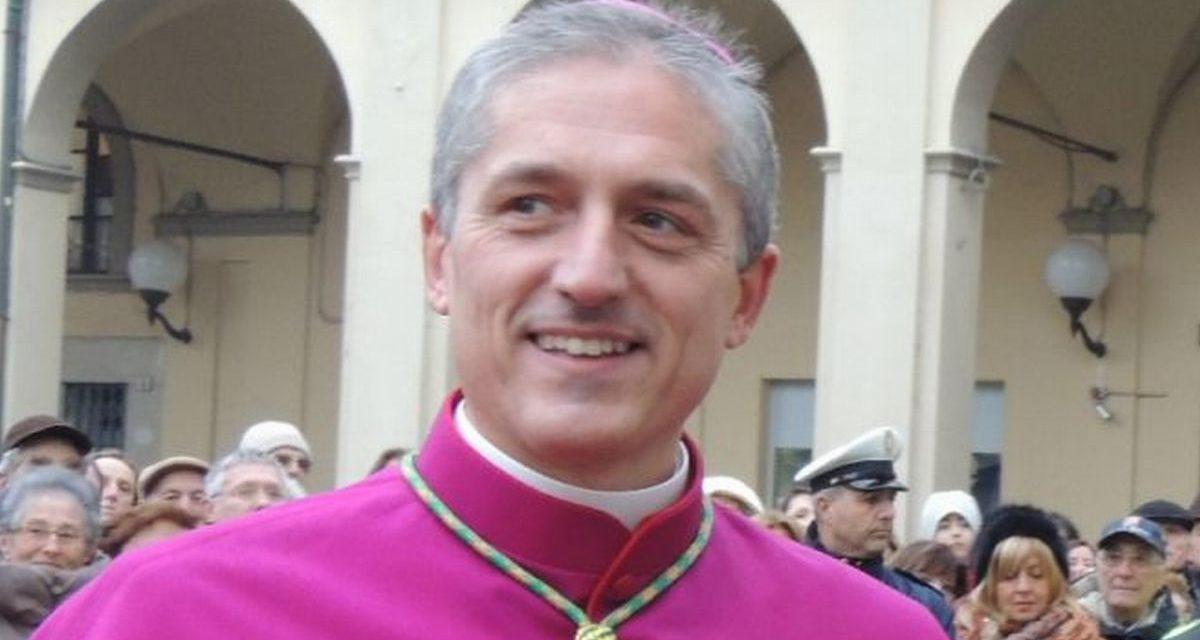 """Al Vescovo Vittorio Viola Il prestigioso premio """"il grosso d'oro"""""""