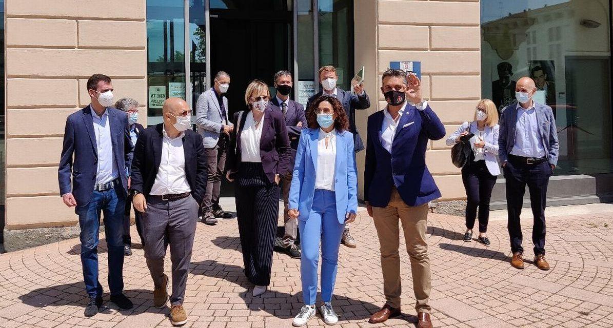 L'assessore regionale in visita alle Case Popolari di Tortona con Sindaco e Giunta