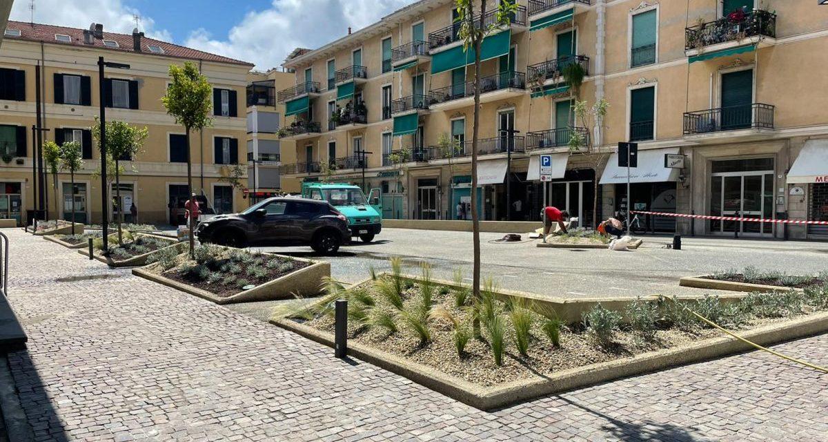 Riaperta Piazza Maglione a Diano Marina, riqualificata, dopo la messa in sicurezza