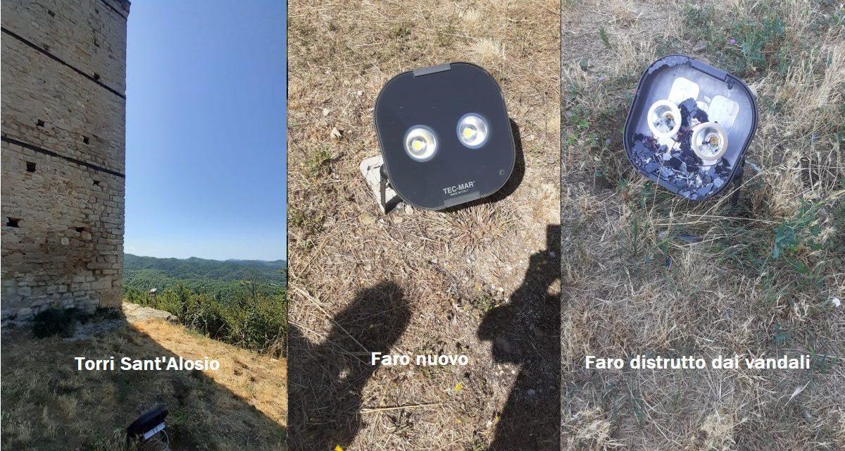 Grave atto di vandalismo a Castellania, per la terza volta rotta l'illuminazione delle torri