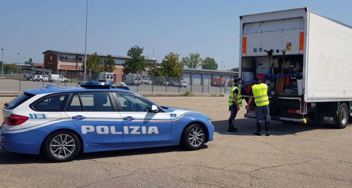 La Polstrada di Tortona sequestra questo Tir con materiali per Rave party