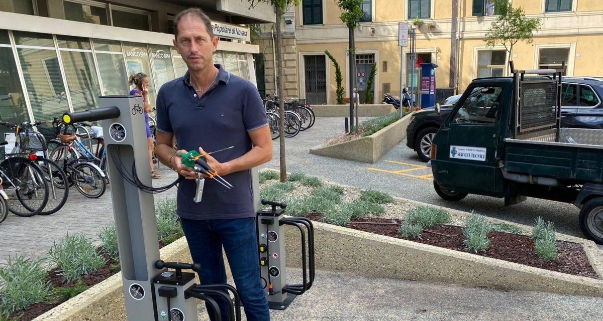 Cristiano Za Garibaldi: da ieri in funzione le due colonnine per bici elettriche a Diano Marina