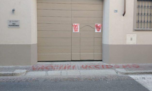 """""""I Vaccini uccidono"""" blitz dei no-vax a Pontecurone! Troppo estremismo da entrambe le parti?"""