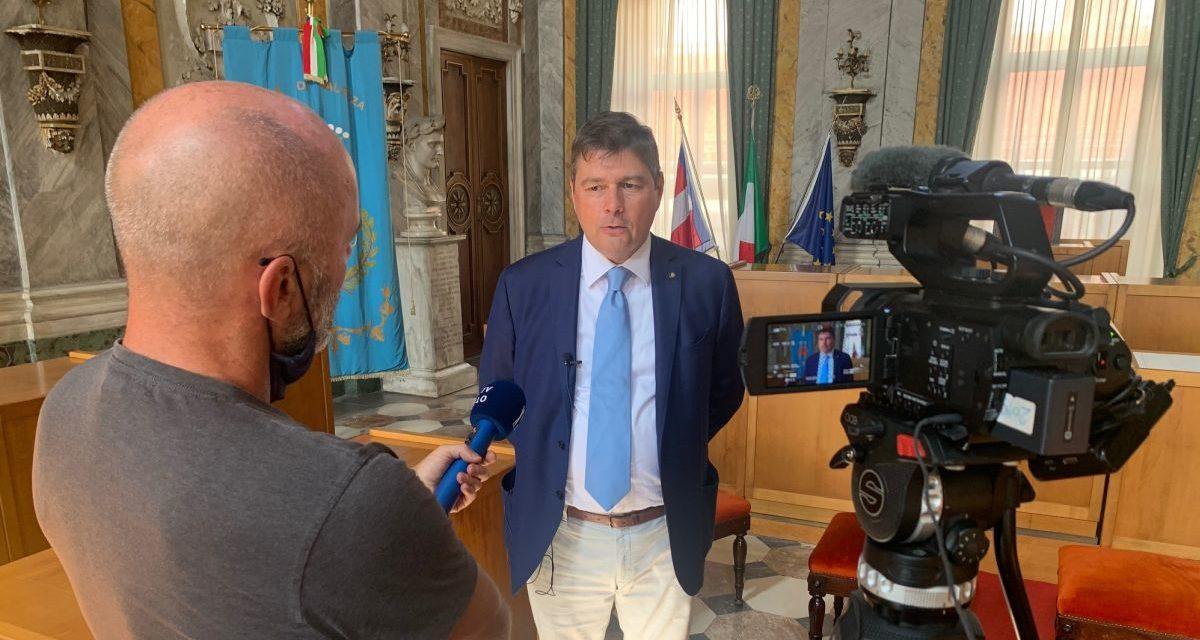 Le televisione slovena gira un servizio a Valenza sull'oro