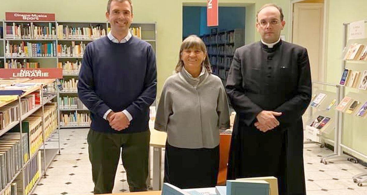 L'Ordine di Malta regala libri alla Biblioteca di Tortona