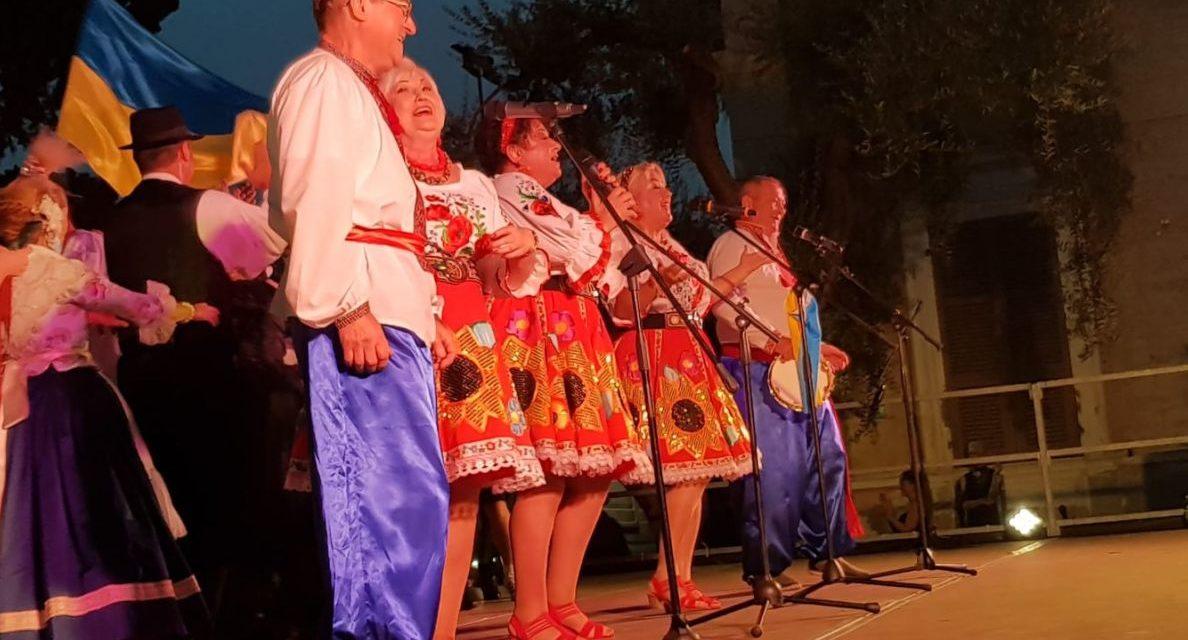 Gruppi folkloristici di mezza Europa in questi giorni protagonisti a Diano Marina